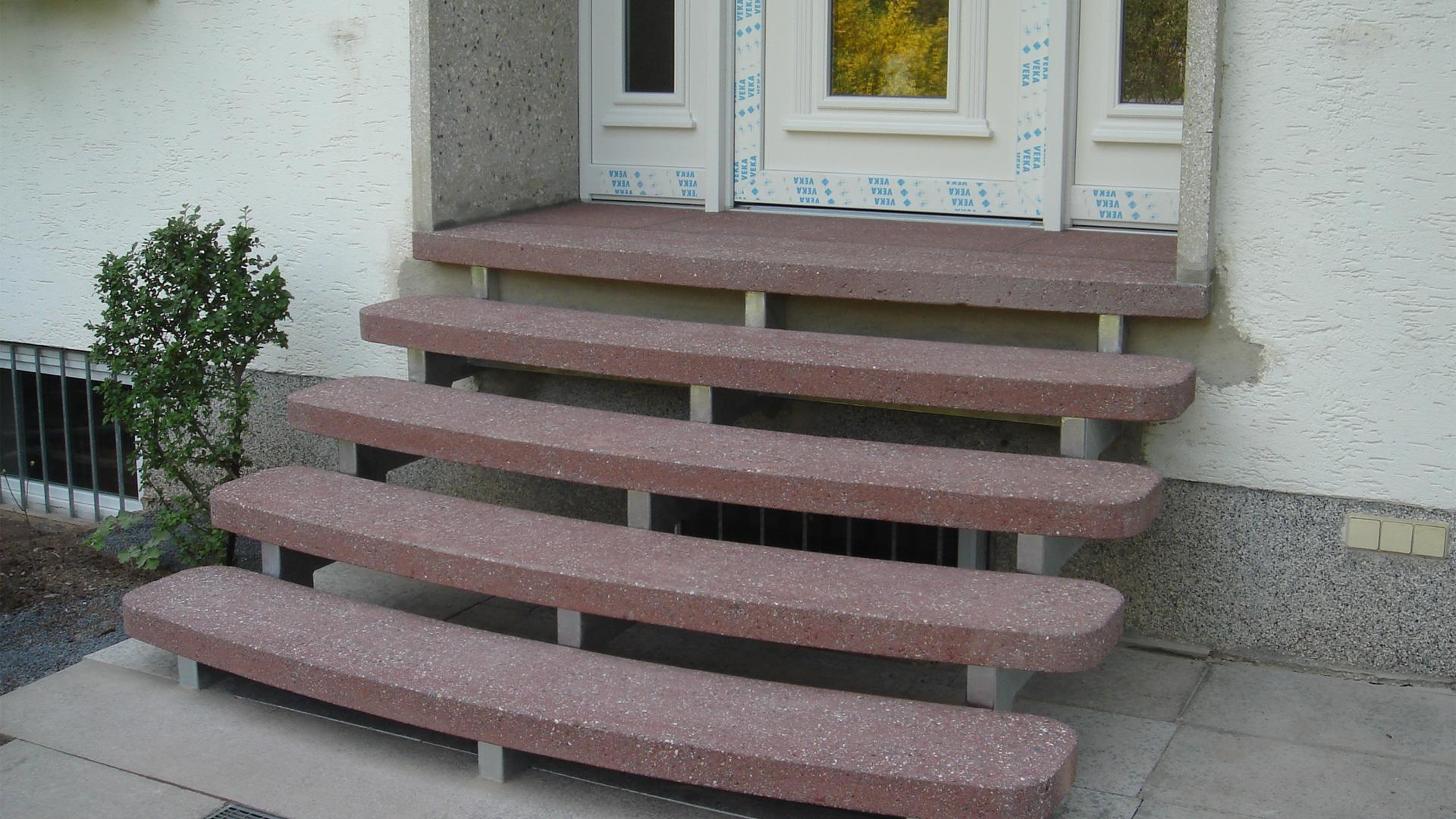 betontreppe aus betonwerkstein als trittplatten vorher nachher wagner treppenbau mainleus. Black Bedroom Furniture Sets. Home Design Ideas