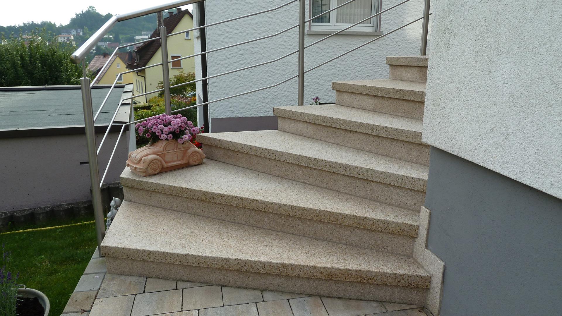 winkelstufentreppe aus beton betonwerkstein granit und naturstein wagner treppenbau mainleus. Black Bedroom Furniture Sets. Home Design Ideas