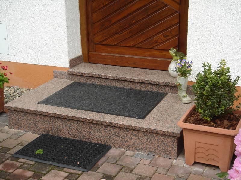 naturstein rosso balmoral wagner treppenbau mainleus. Black Bedroom Furniture Sets. Home Design Ideas