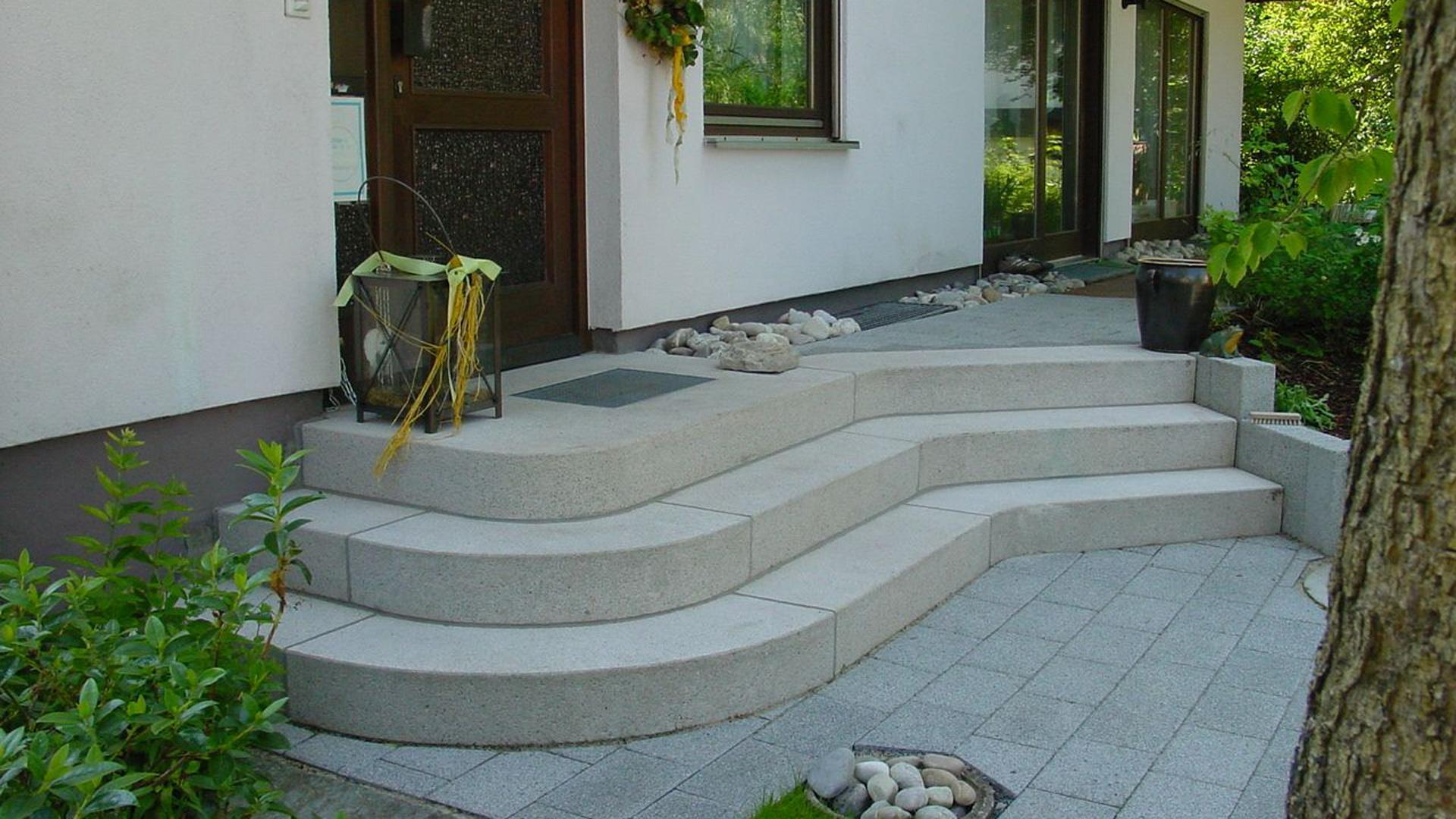 Außentreppe aus Granit, Beton, Naturstein, Waschbeton : Wagner ...