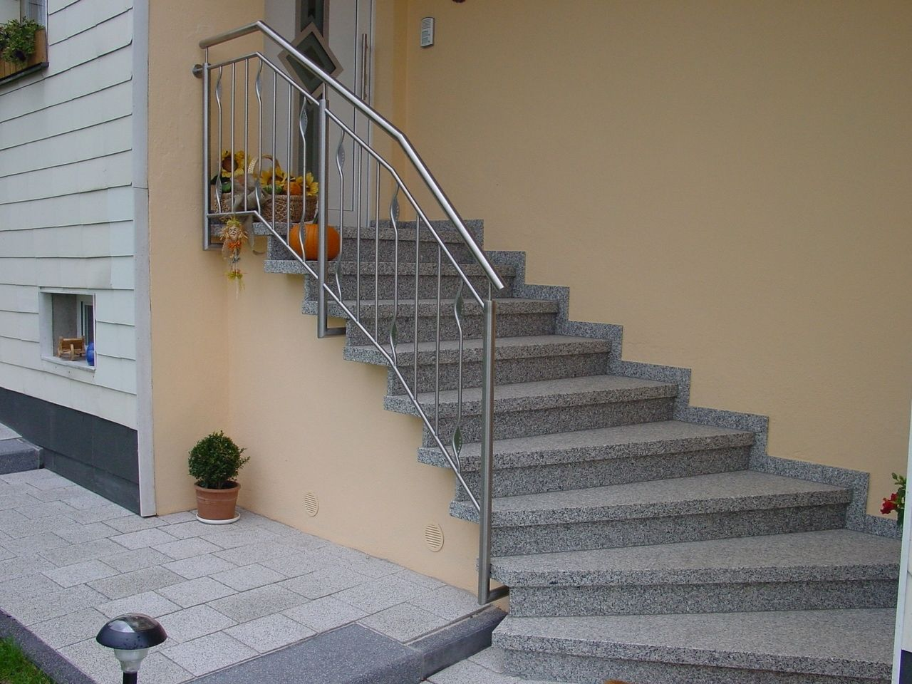Favorit Außentreppe aus Granit, Beton, Naturstein, Waschbeton : Wagner OU17