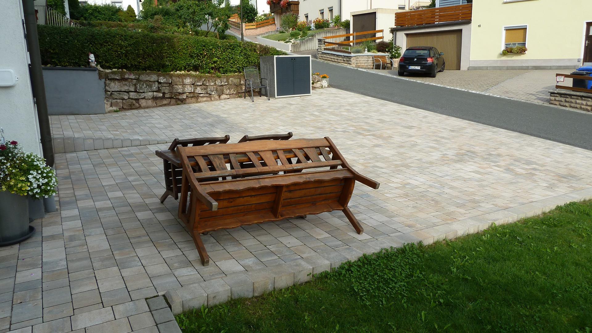 wagner treppenbau gmbh mainleus betonpflastersteine. Black Bedroom Furniture Sets. Home Design Ideas